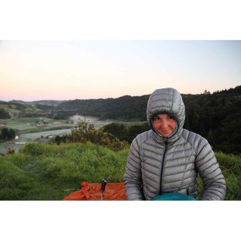 Image 1 de Melanie à Mountain Hardwear - Women's Ghost Whisperer Down Hooded