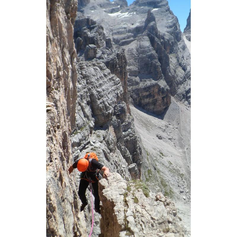 Image 1 de Aaron à Petzl - Sirocco - Casque d'escalade