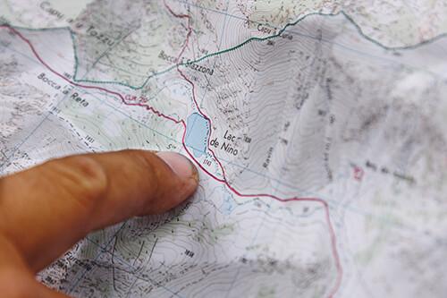 Déchiffrer les cartes de randonnée à l'aide de l'échelle