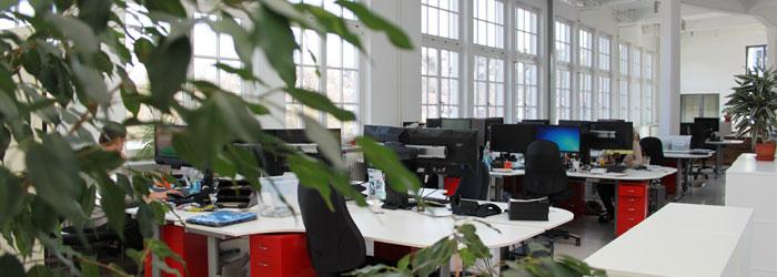 3étages entièrement consacrés aux sports de montagne! Nos bureaux et notre entrepôt se situent dans le loft de l'ancienne usine de textile.